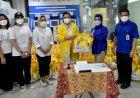 Menyongsong Lebaran, IIPG Bagikan Ratusan Paket Dan THR Untuk Para Nakes